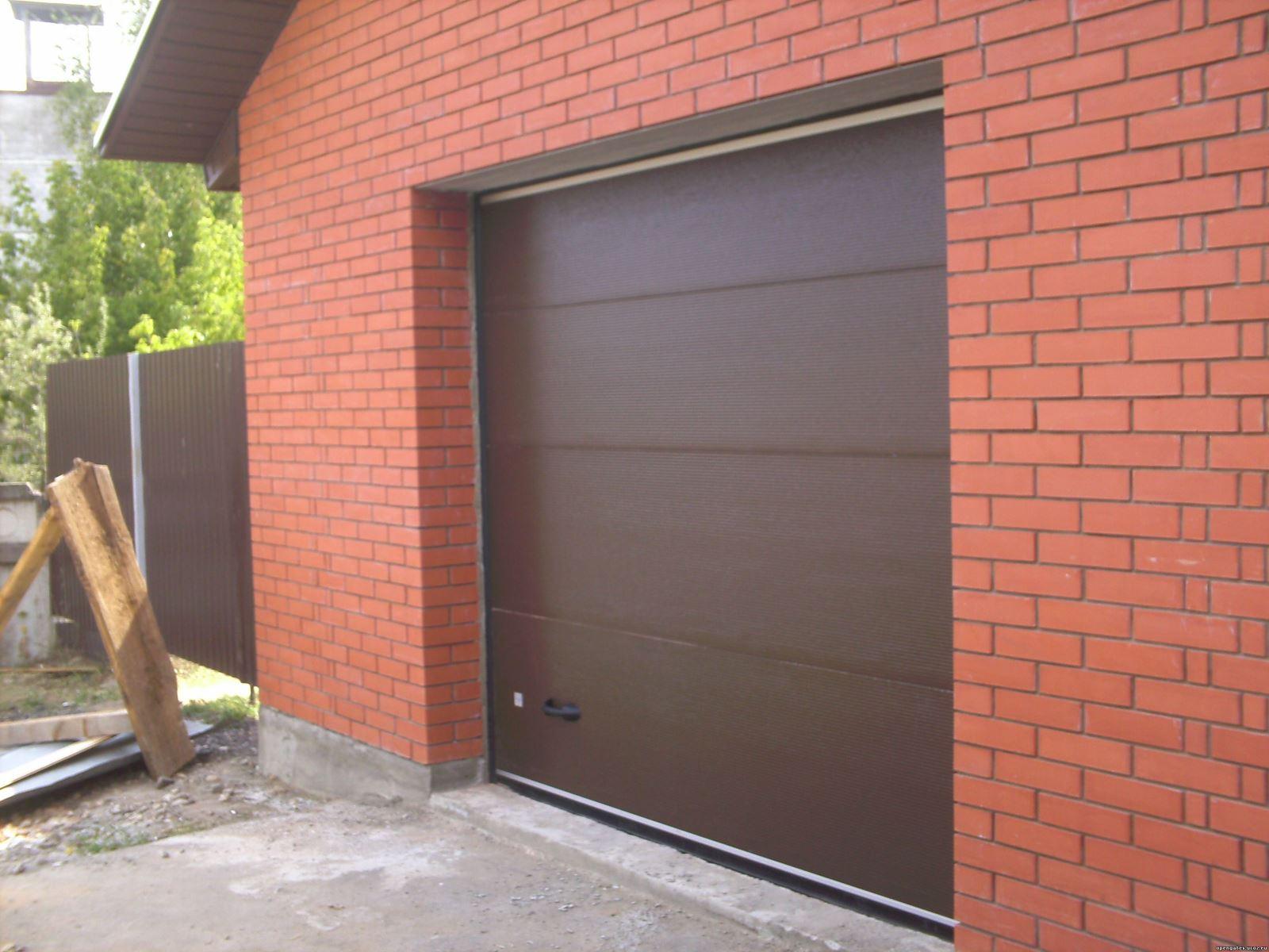 Какими преимуществами обладают гаражные секционные ворота